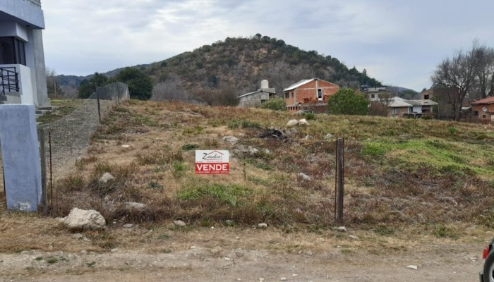 terreno-en-venta-barrio-el-balcon-zacchia-3
